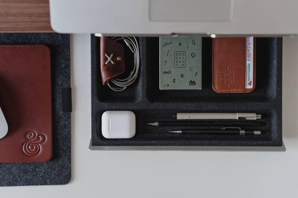 15 of the Best Leather Minimalist Wallets for Men