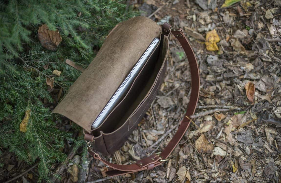 e42483f524d6 The 15 Best Leather Messenger Bags for Men • Territory Supply