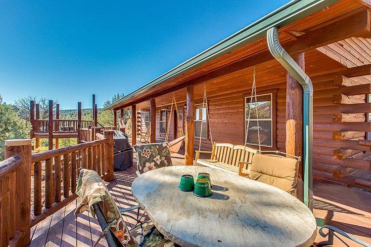 Eagles Nest Hillside Retreat