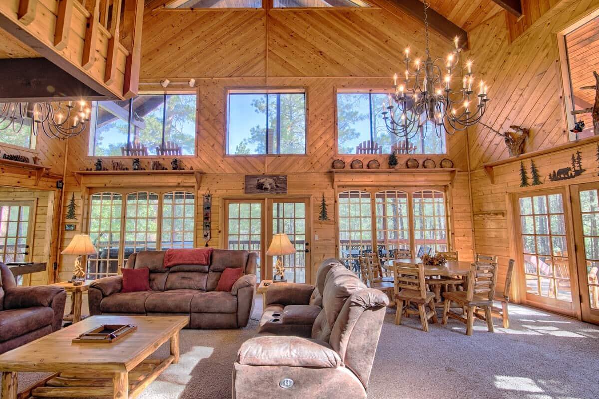 show low pet friendly cabin
