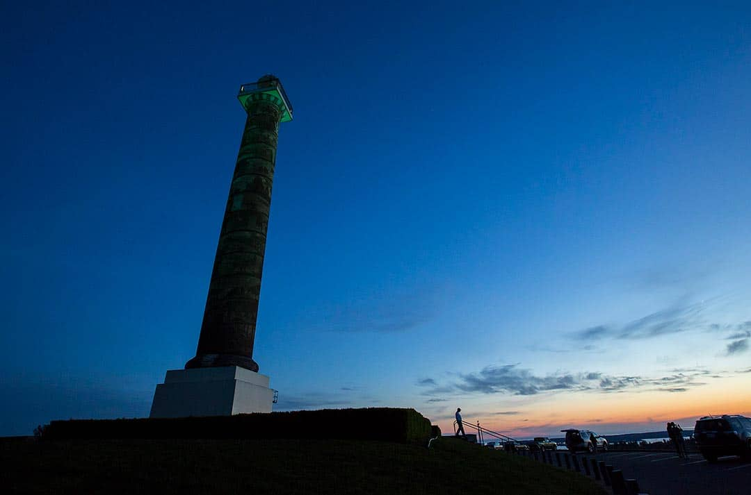 astoria column at dusk oregon