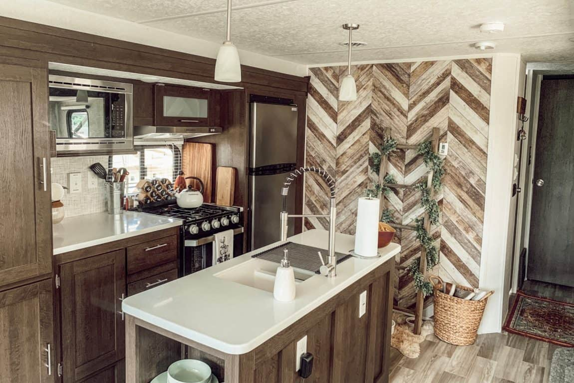 20 Rv Renovation Remodel Instagram Accounts For Decor Ideas