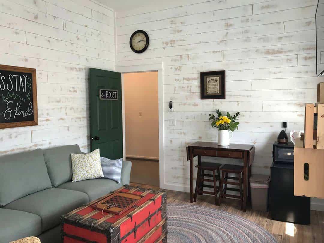 utah airbnbs - the roost