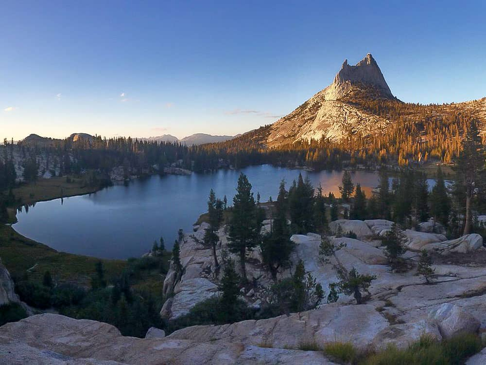 Cathedral-Lake-and-Peak