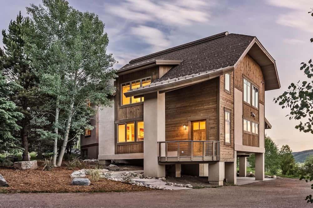 Chalet Tarentaise Colorado cabin Airbnb