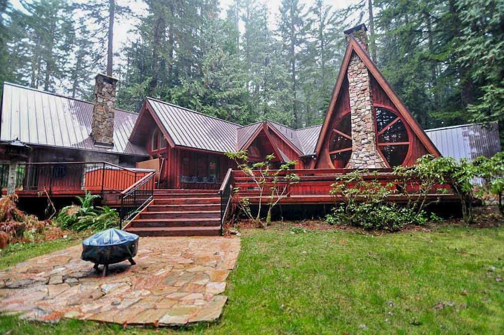 Forrest Lodge A-frame cabin Oregon vacation rental