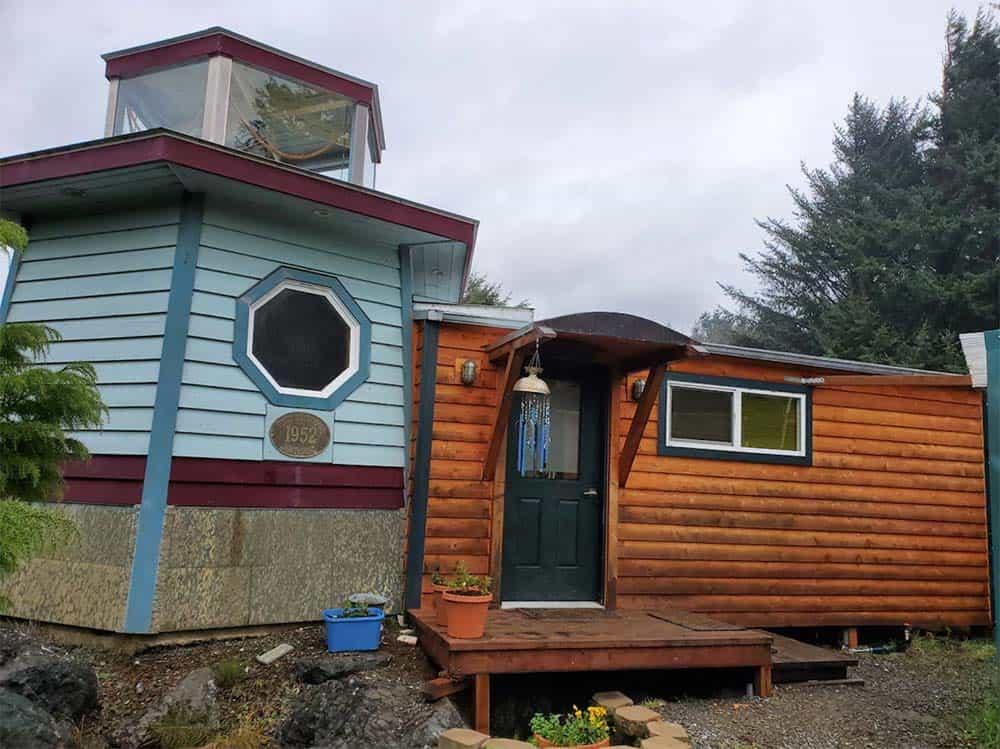 lighthouse cottage airbnb oregon coast