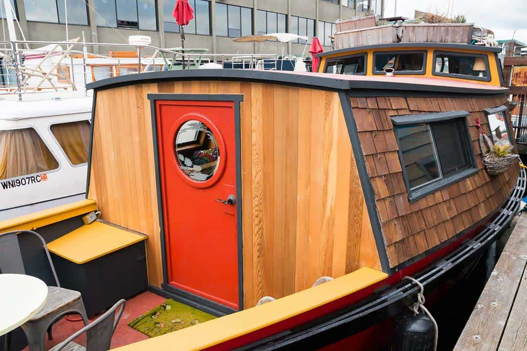quarky turnip houseboat