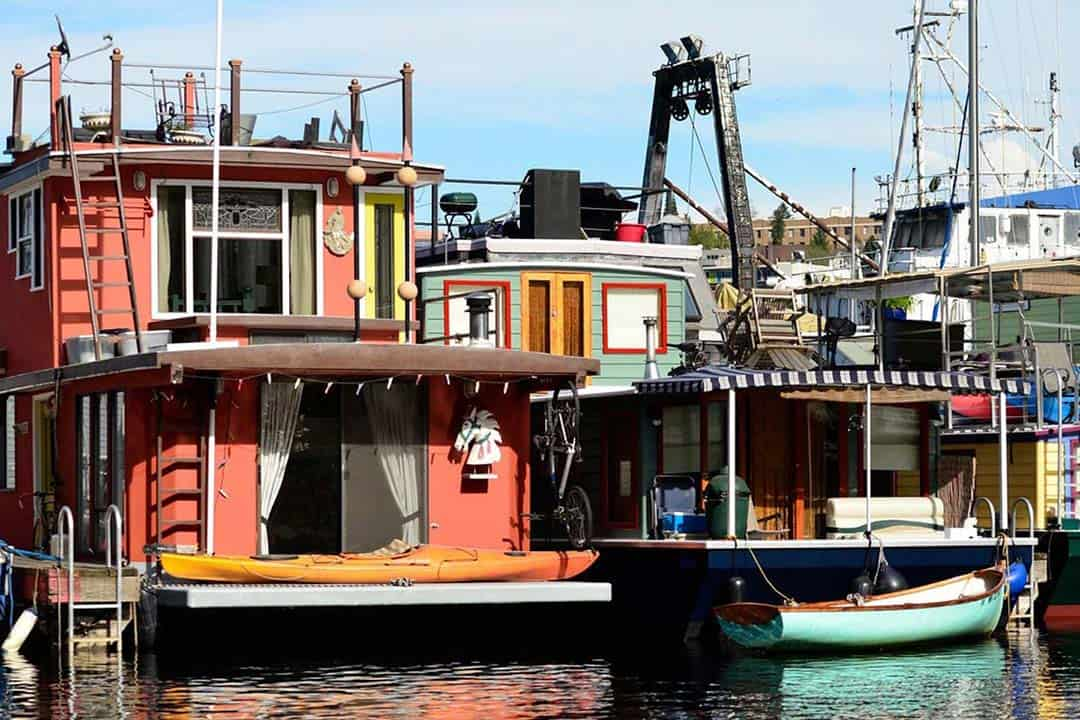 the cabin houseboat