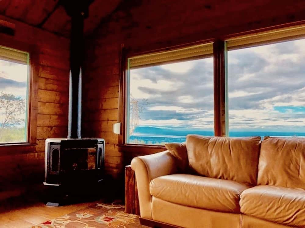 Chugach Cabin in Anchorage Alaska
