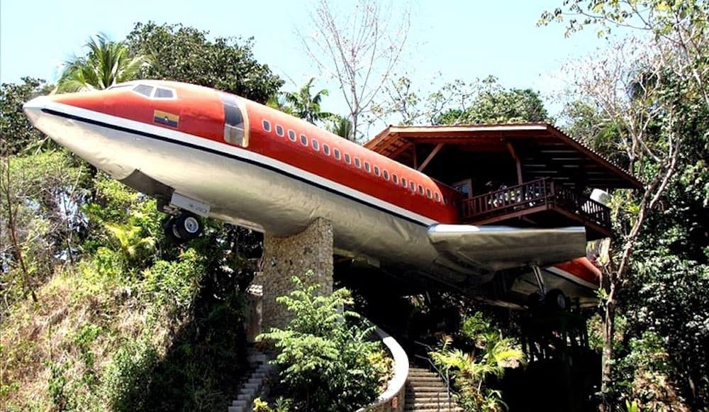 Vintage Boeing 727 Treehouse