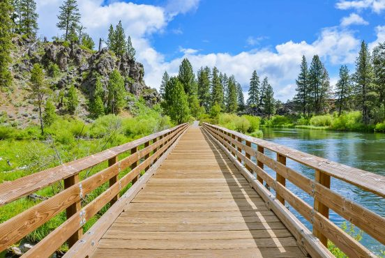 best hikes bend oregon