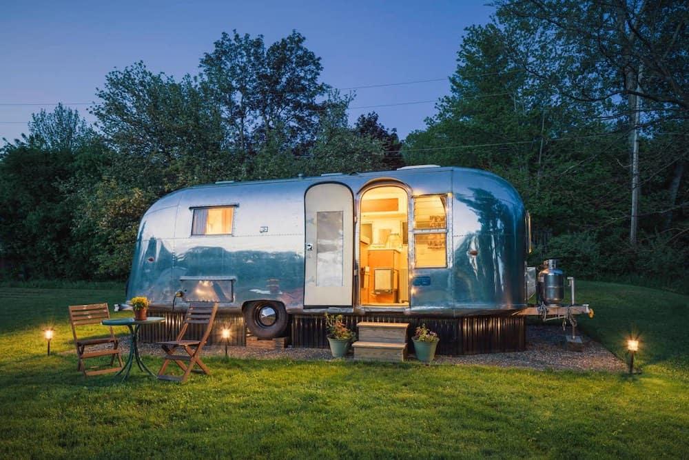 1961 Airstream Tradewind Land Yacht Airbnb in Vermont