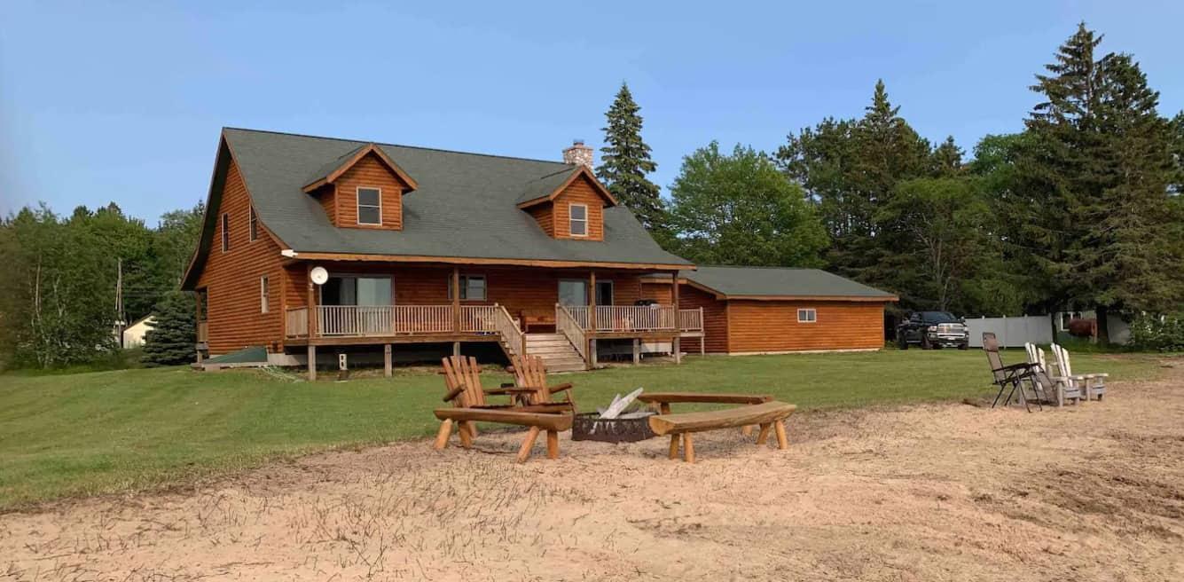 Big Bay Rustic Rental cabin