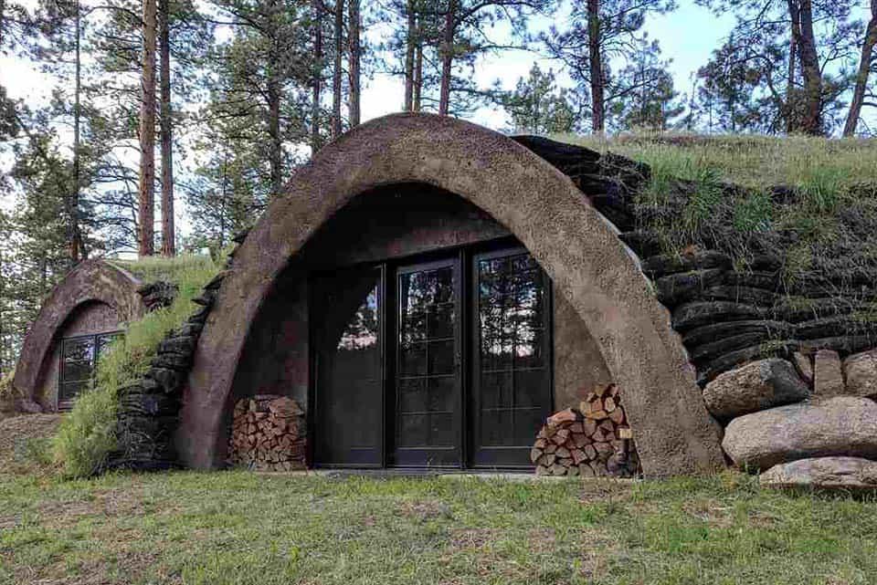 earth house airbnb montana