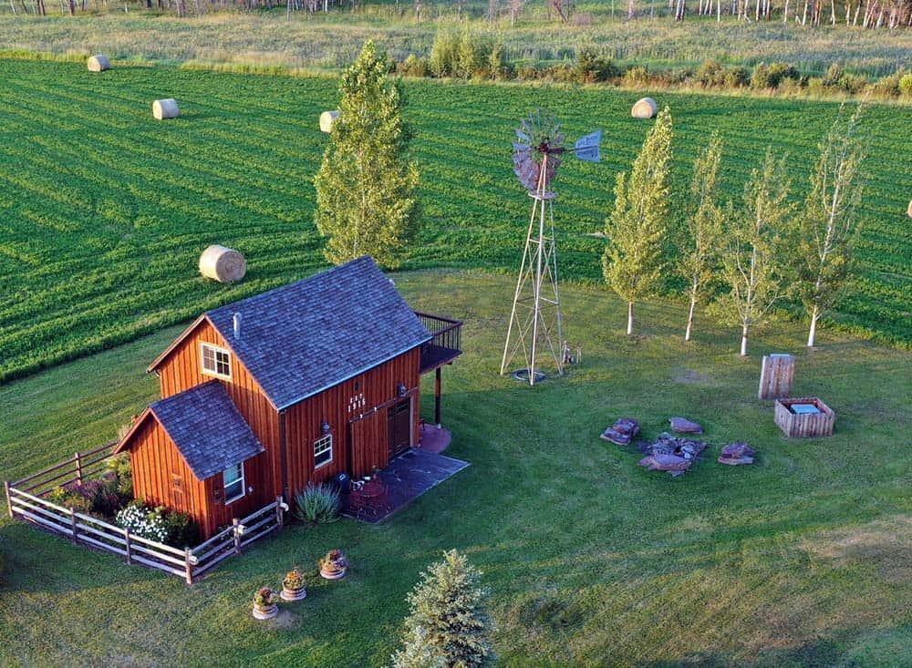 farm stay airbnb montana