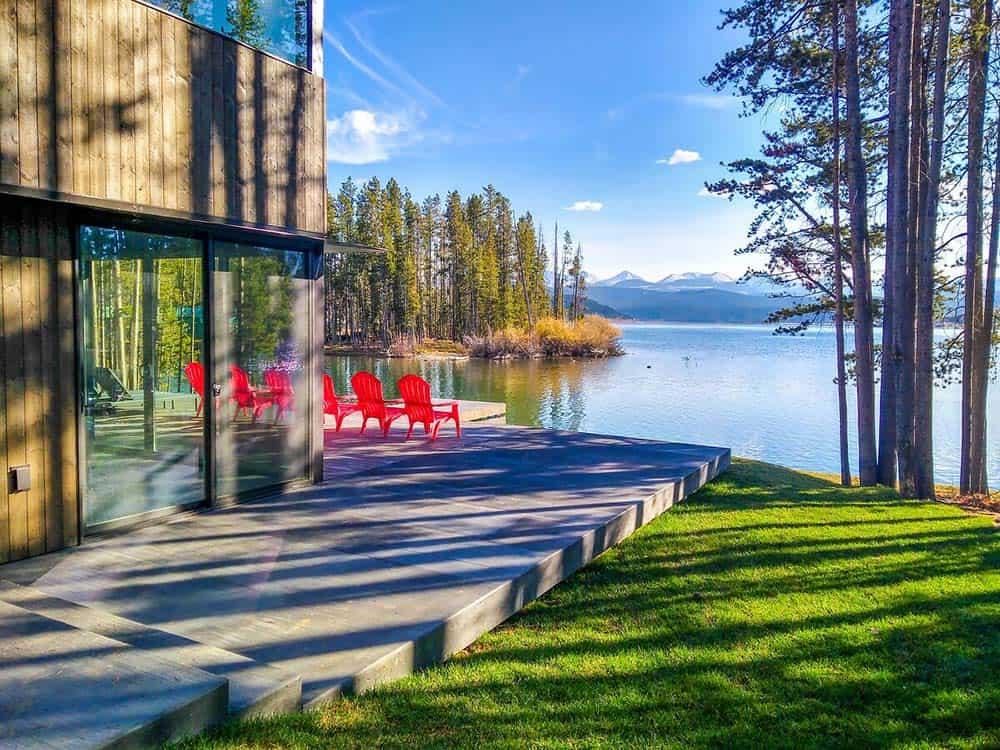 lakeside cabin airbnb montana