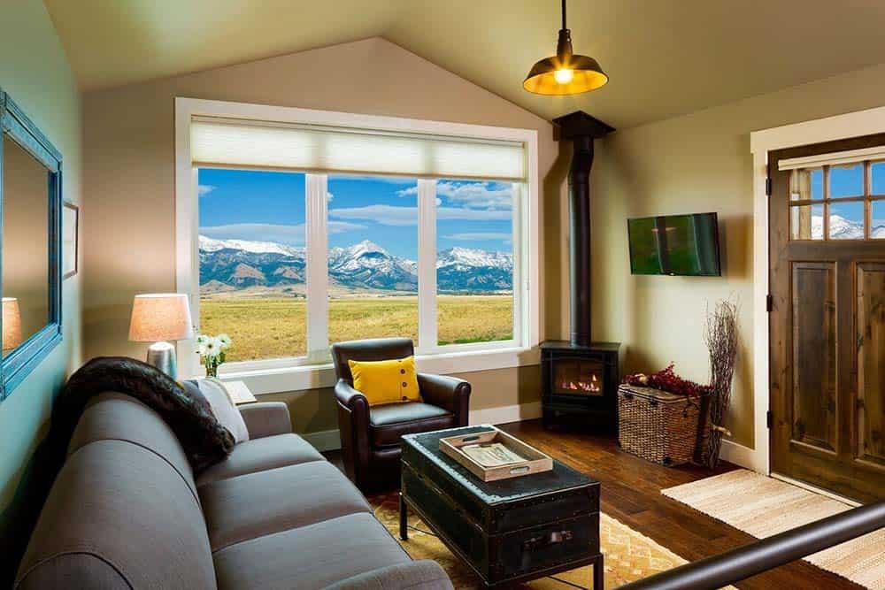 montana cabin airbnb