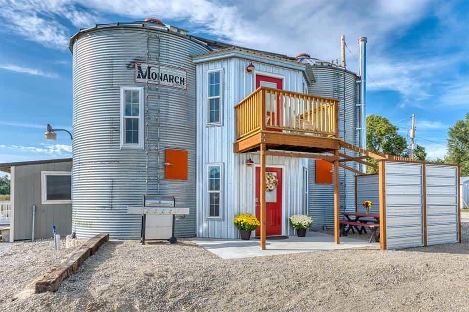 silo airbnb montana