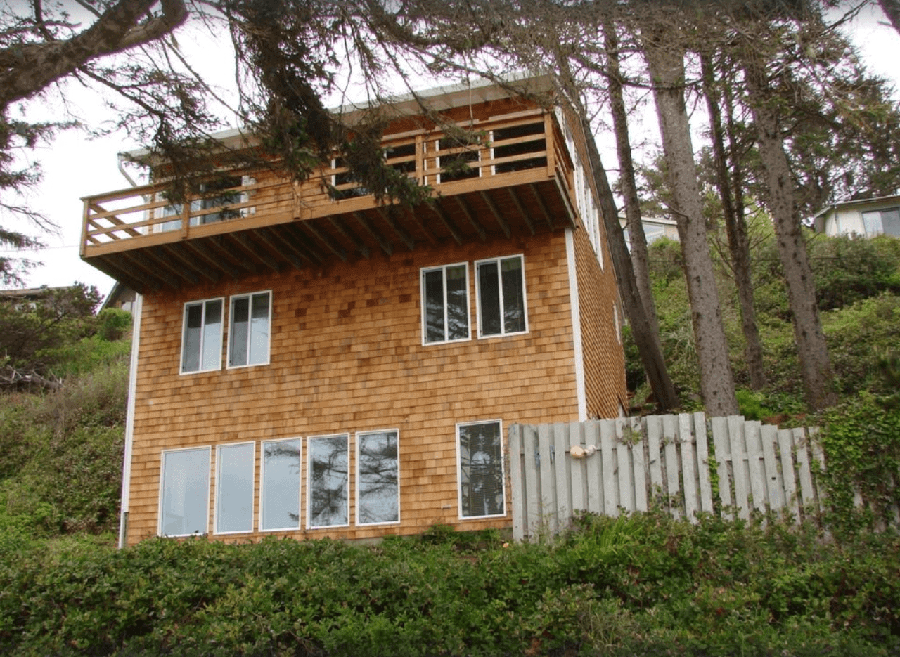 Secluded Beach House in Otter Rock
