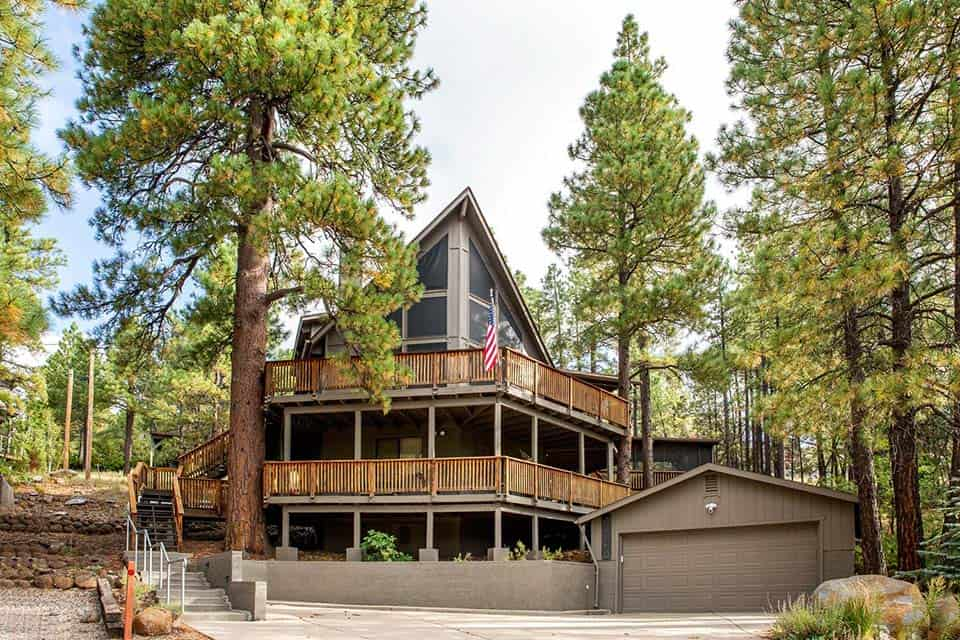 pinewood treehouse chalet