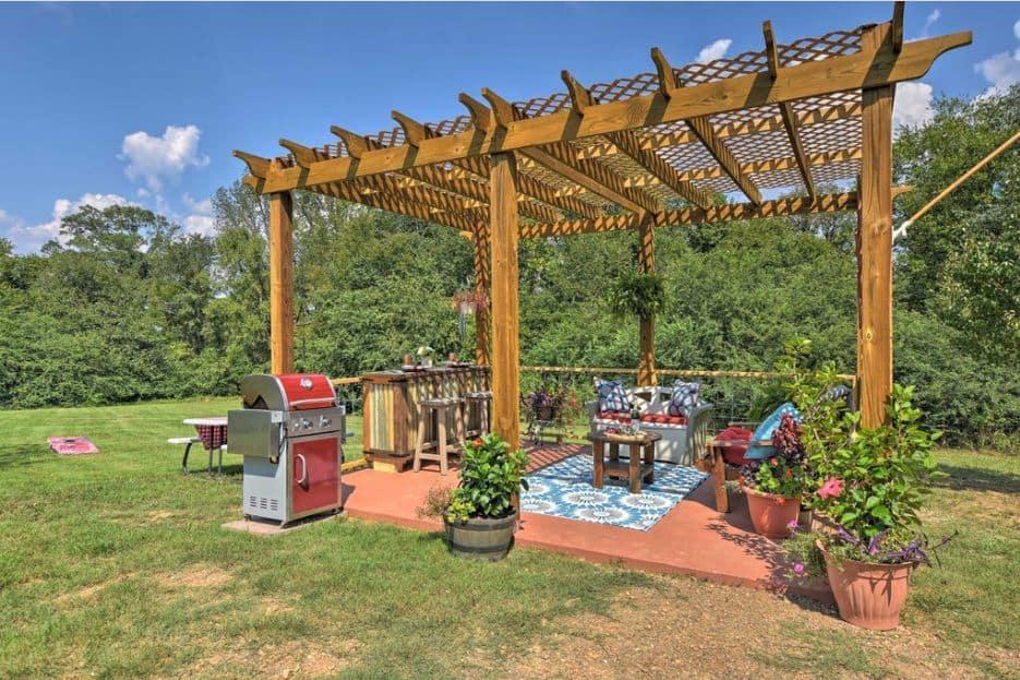 Hot Springs Log Cabin