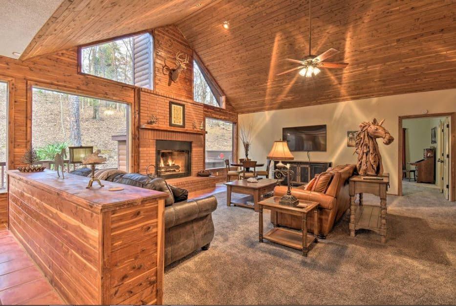 Luxury Hot Springs Cabin