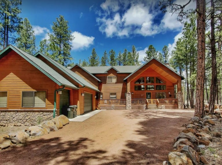 A 3,400-square-foot Pinetop cabin rental