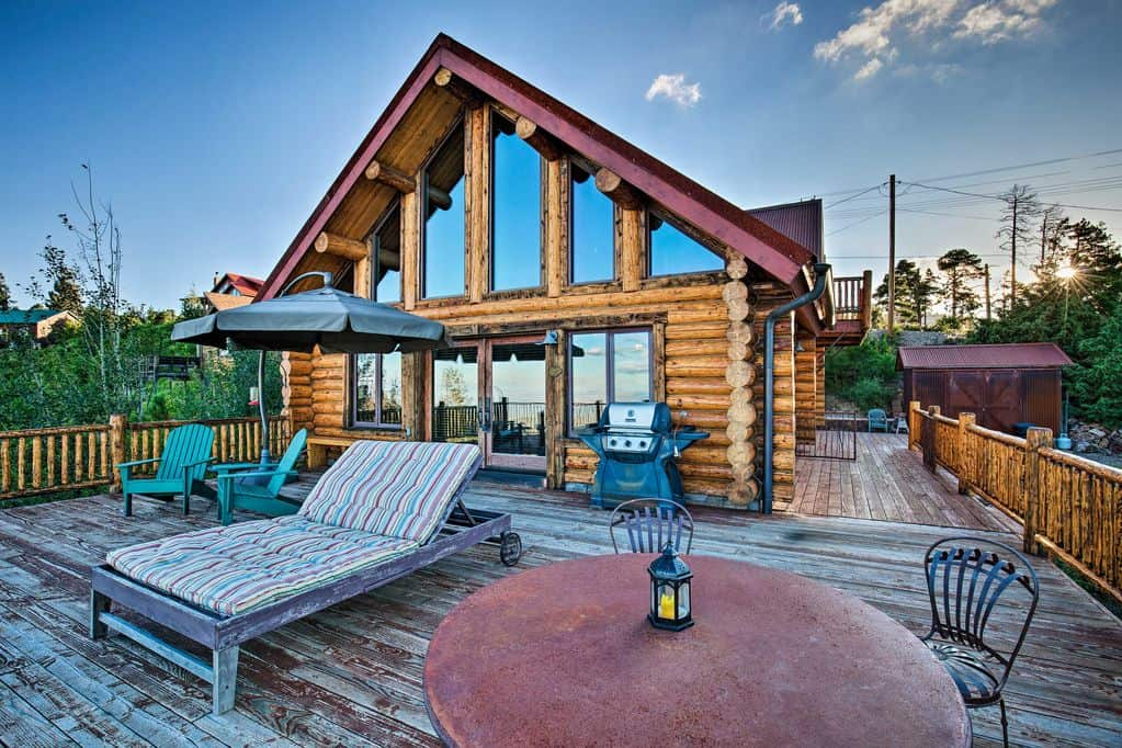 This Mt Lemmon Getaway is one of the best Arizona cabin rentals