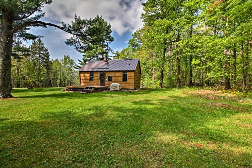 Rustic Cloquet cabin rental
