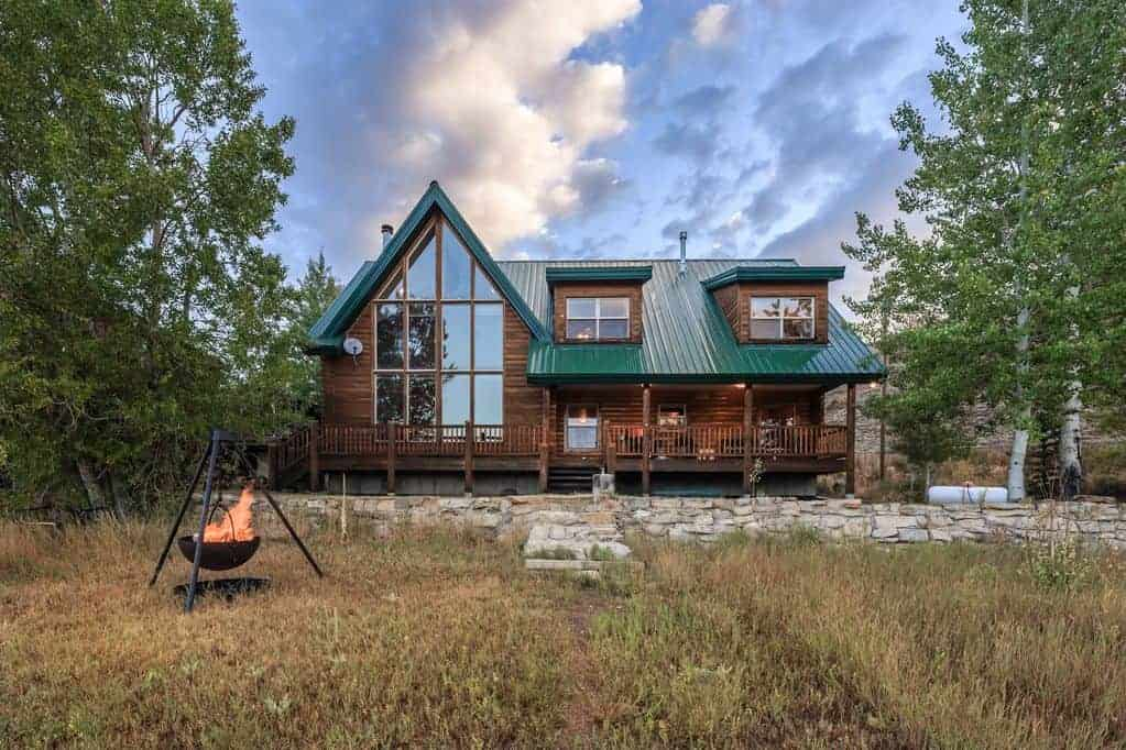 Scofield lakefront cabin