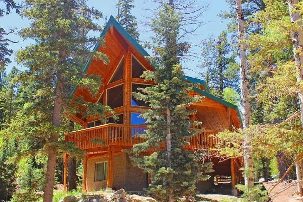 Strawberry Valley Log Home