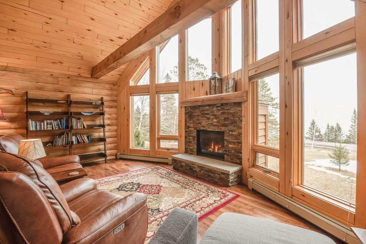 Superior Pine Tree Lodge