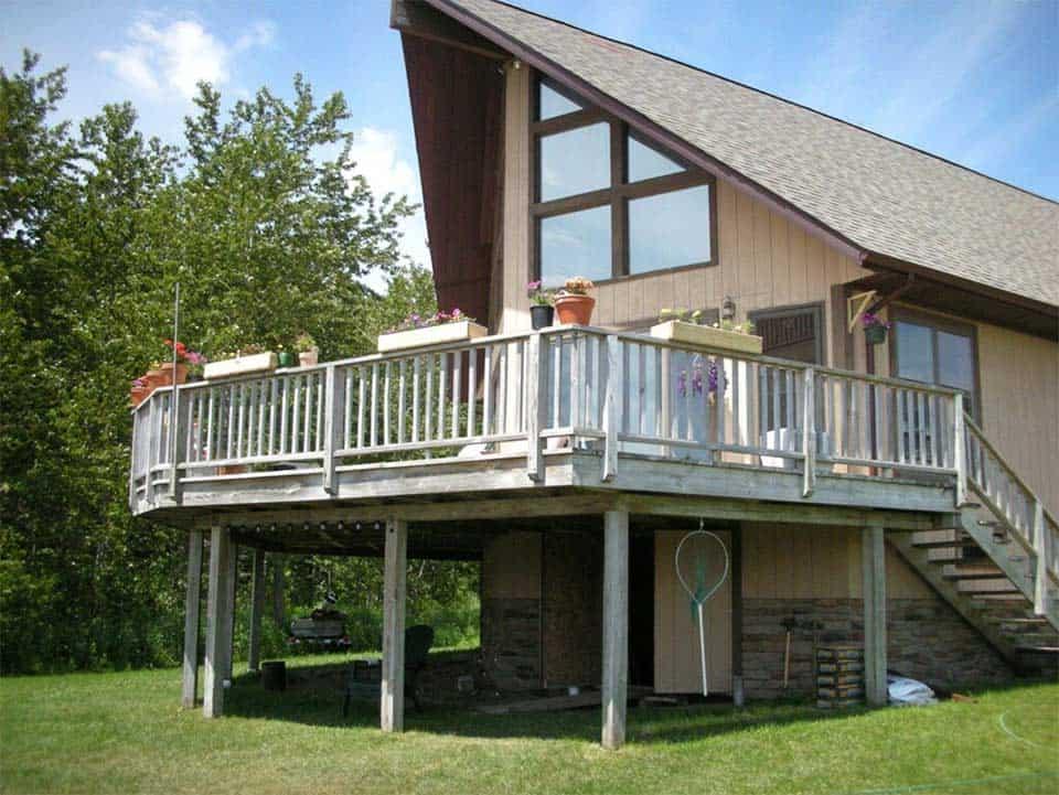 UP chalet log cabin rental