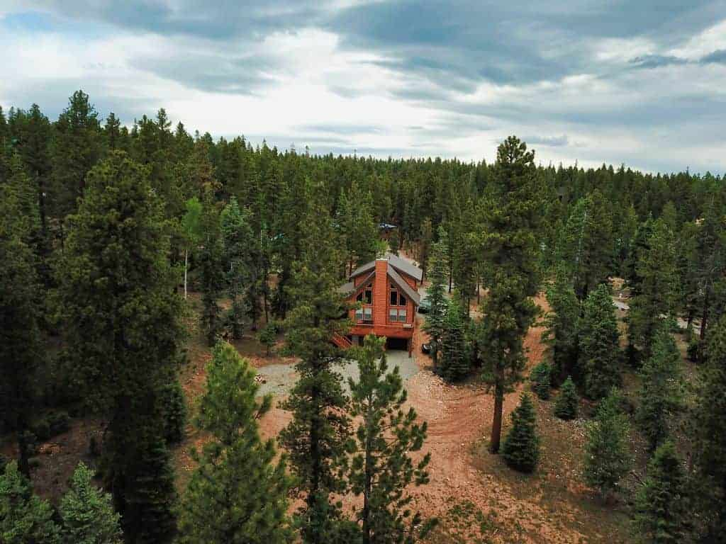 duck creek cabin with theater room