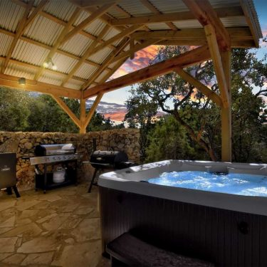 texas hot tub cabin rentals