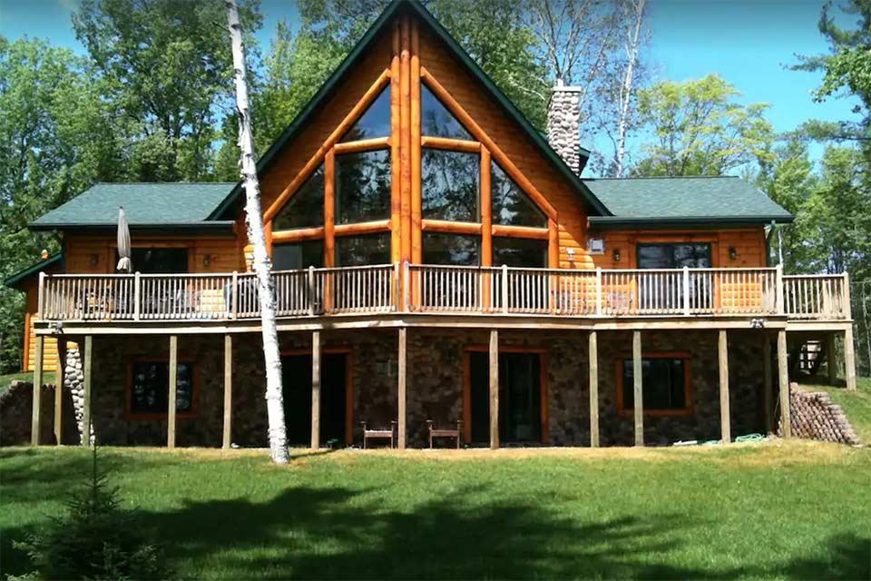 upper peninsula log cabin rental