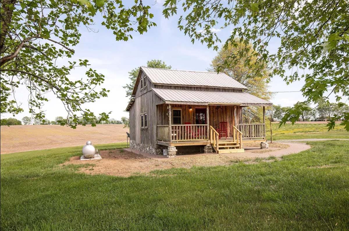 cozy cabin nashville