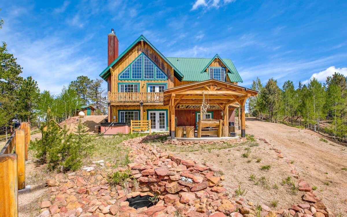 secluded colorado cabin getaway