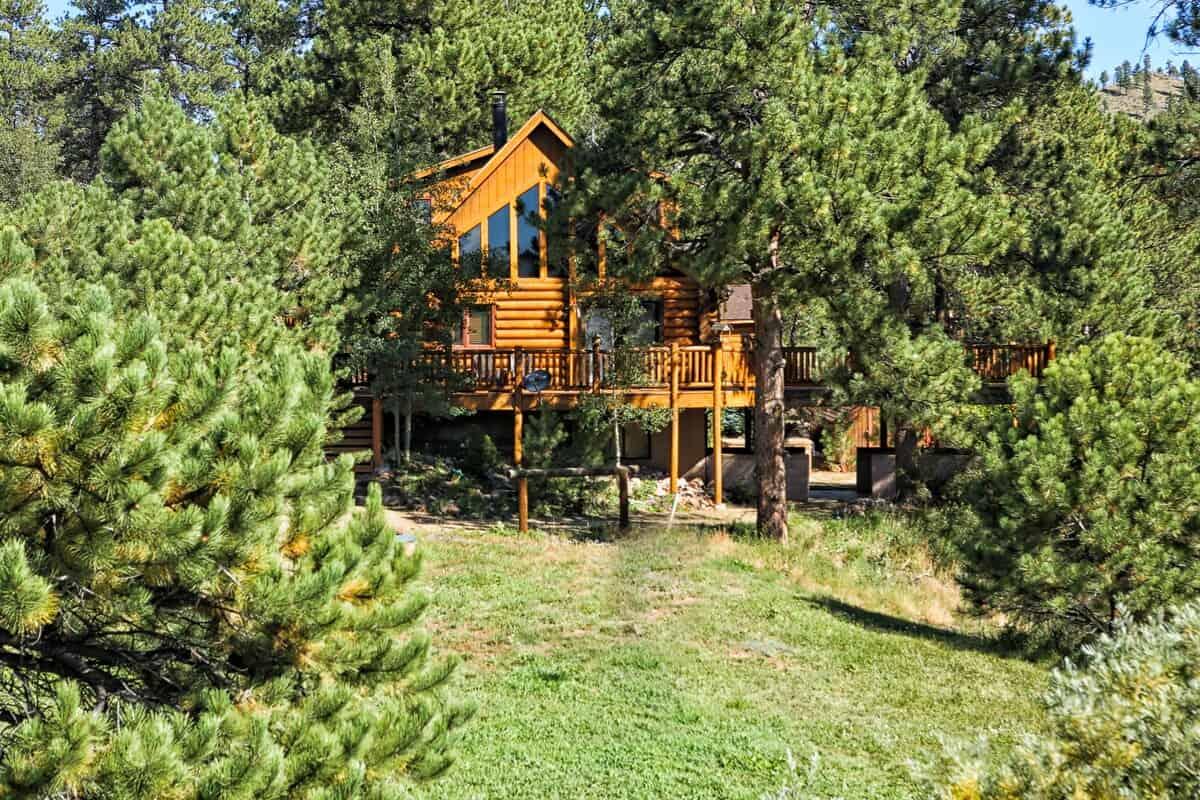 secluded colorado cabin
