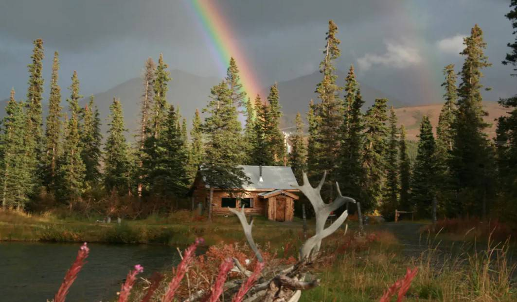 Maggie's Cabin Secluded Alaska