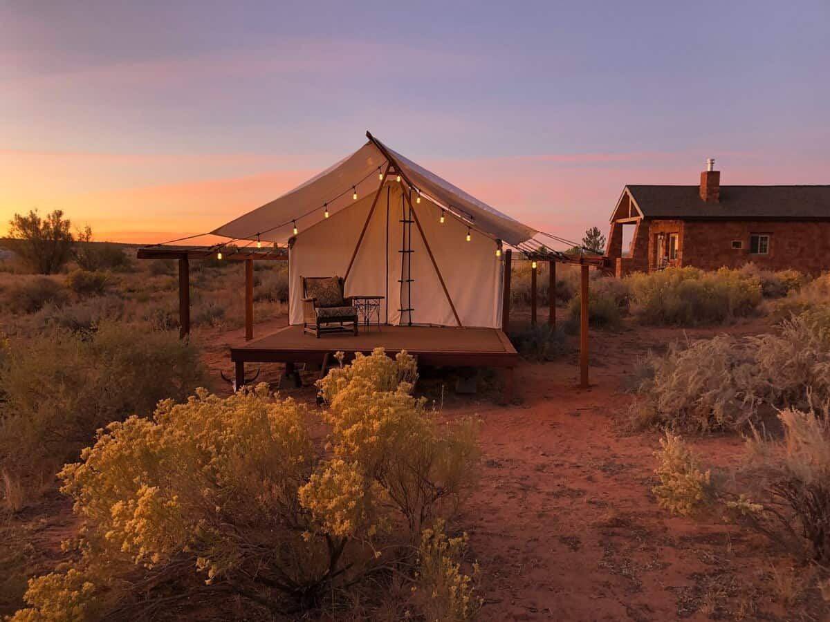 Cane Beds Corral Glamping