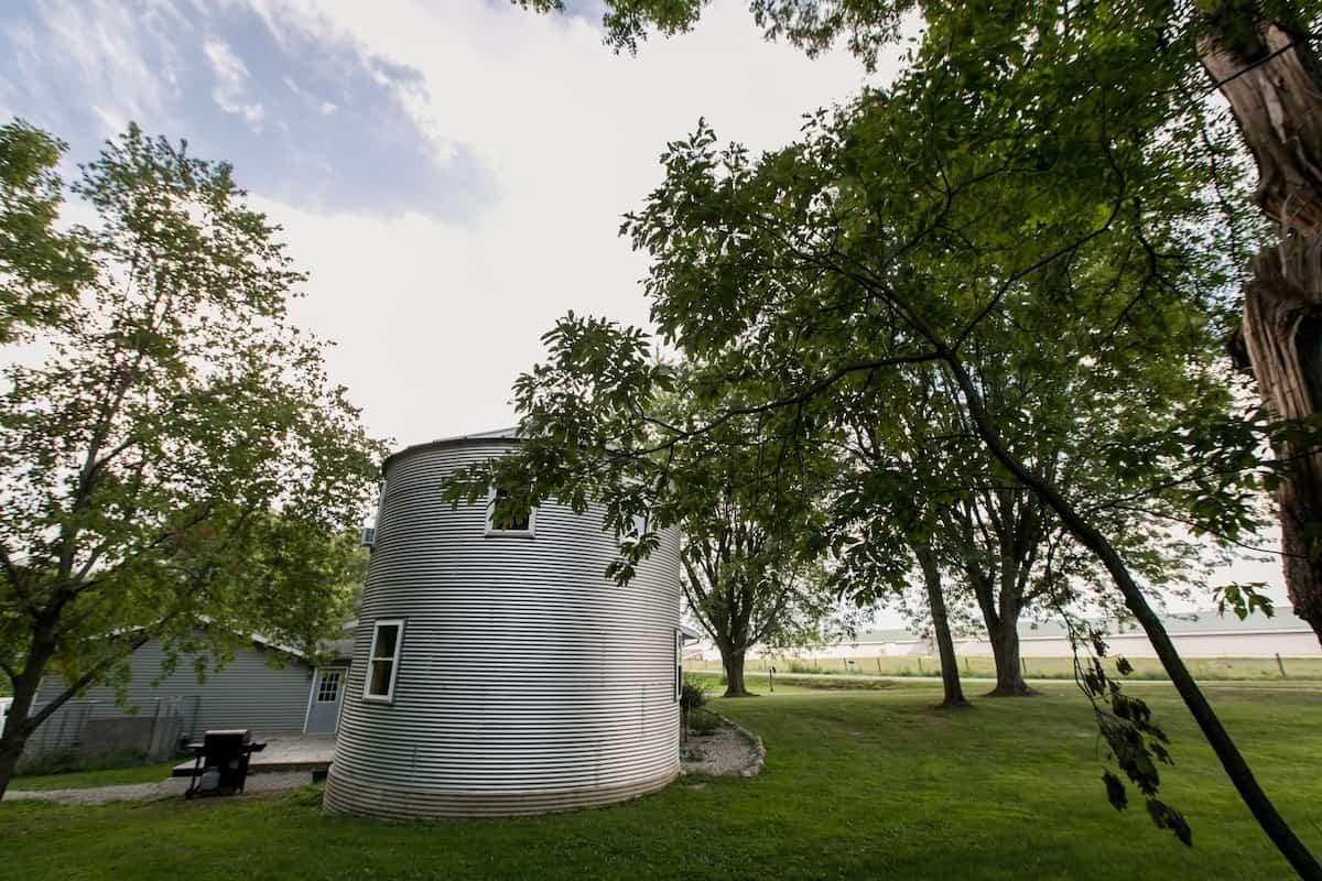Grain Bin Retreat on Eagle Lake indiana