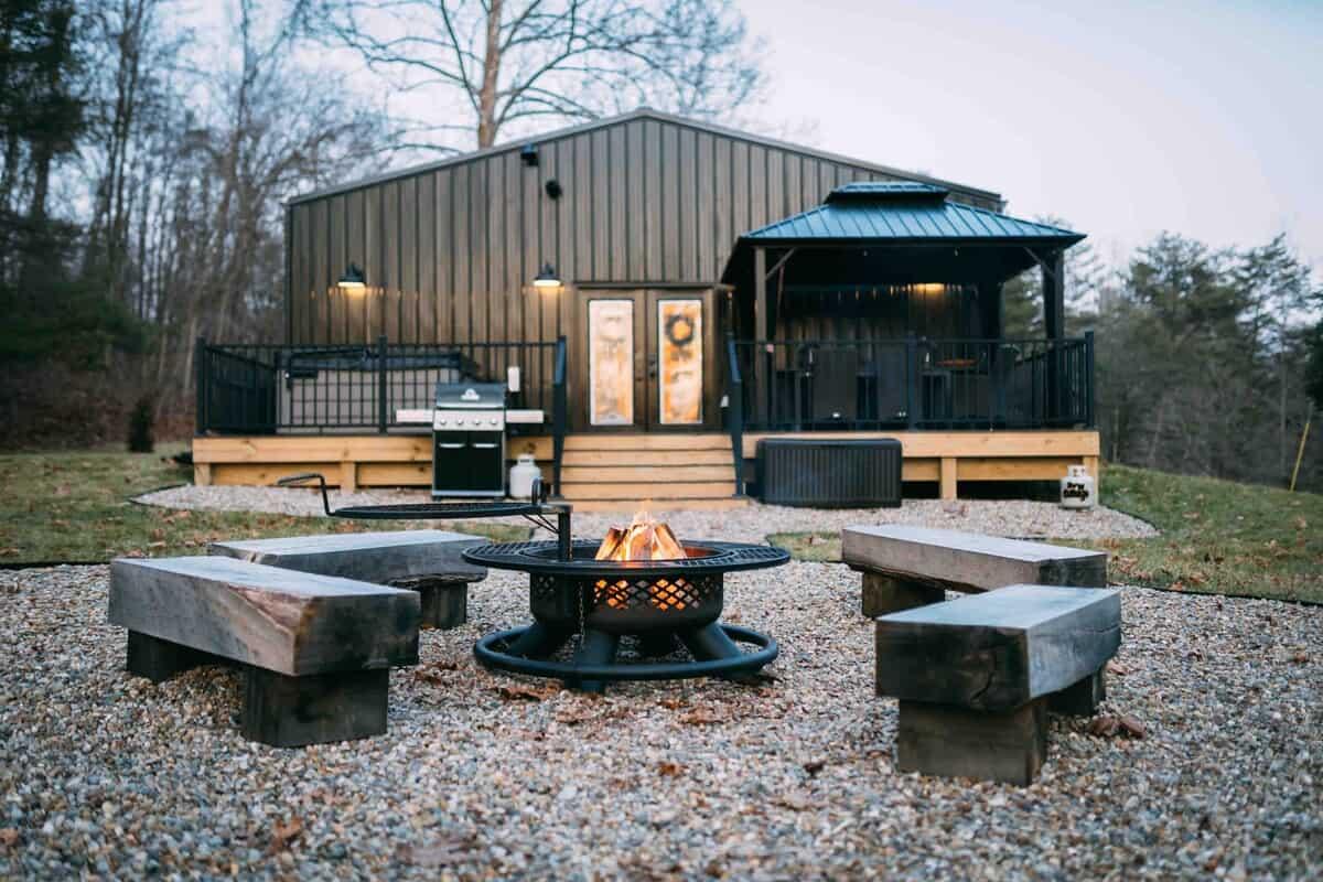 Ivy Cottage ohio airbnb