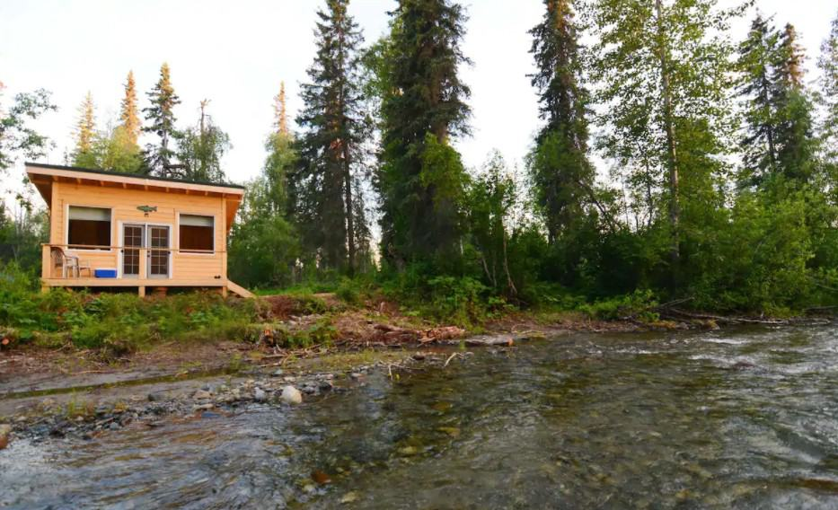 Secluded Silver Cabin at Montana Creek Alaska