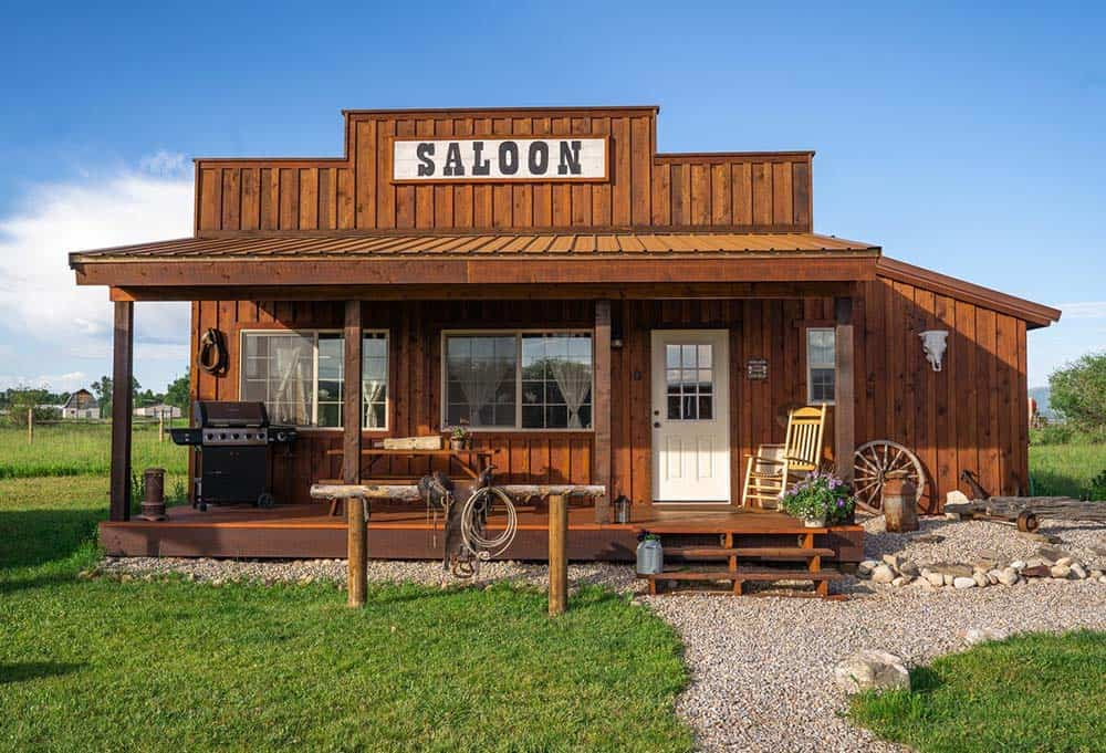 idaho saloon airbnb