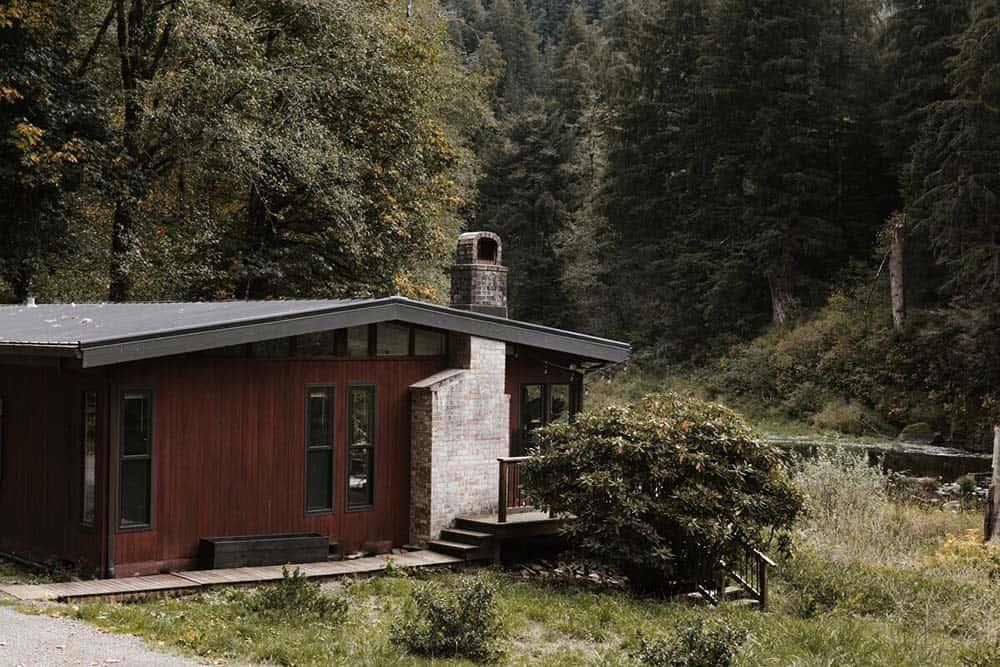 midcentury cabin rental oregon