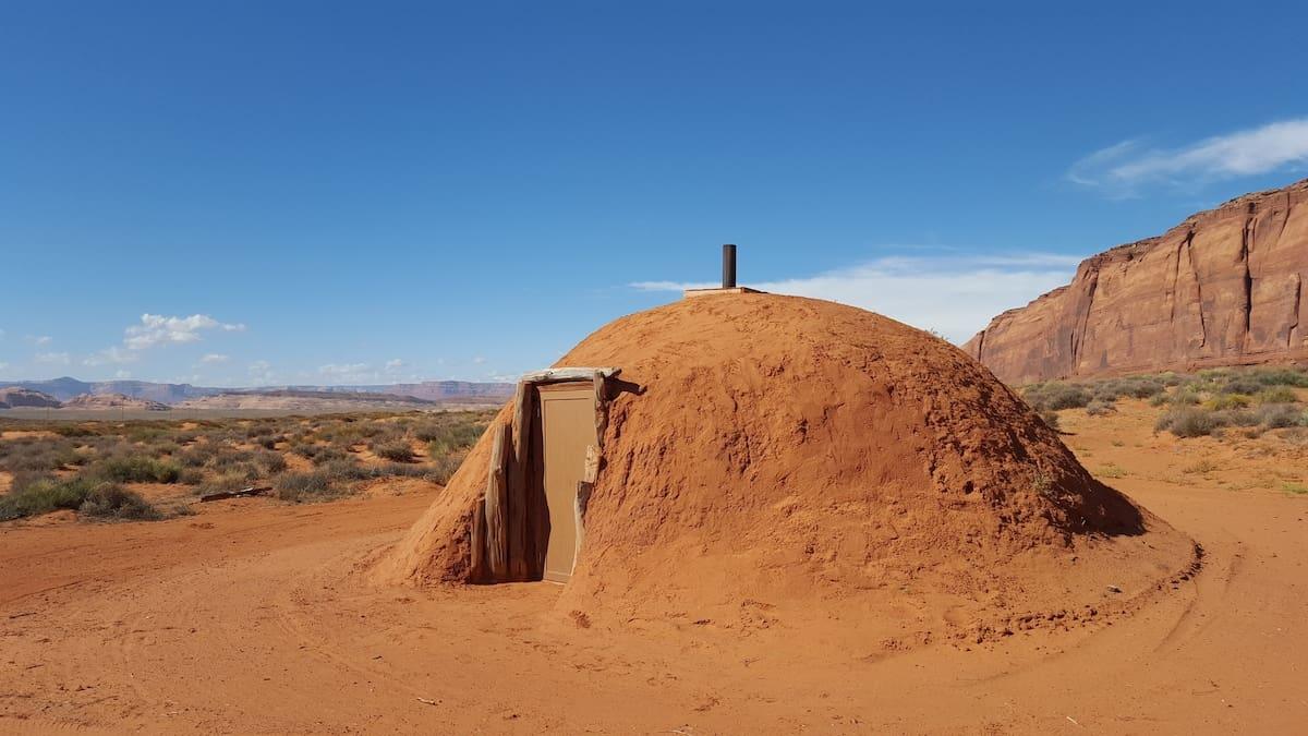 navajo hogan kayenta arizona