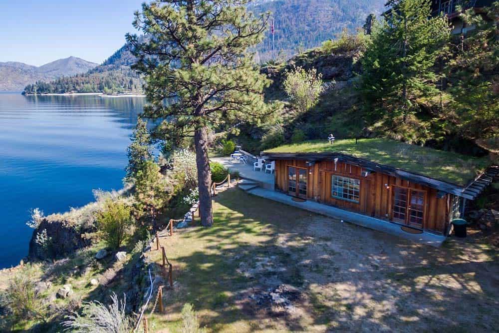 secluded lakefront cabin washington