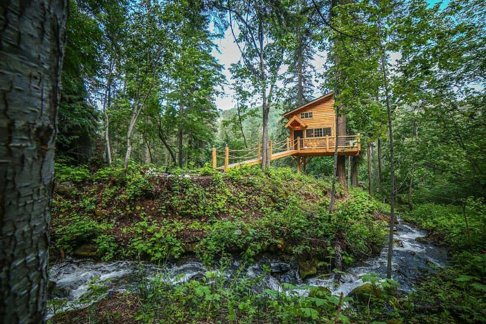 secluded treehouse airbnb washington